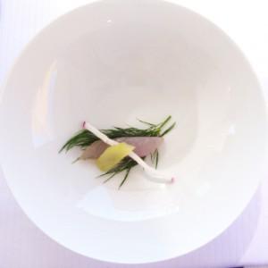Maquereau mariné à l'huile d'olive, radis